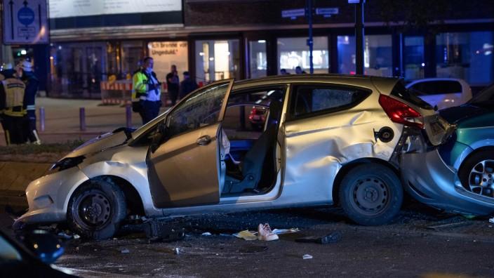 Raser in Berlin: Unfall nach einem illegalen Straßenrennen auf dem Kudamm
