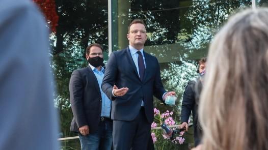 Jens Spahn Masken-Verweigerer 2020.08.25 Bei einer Veranstalltung zum Thema Corona, in der Kassenärztliche Vereinigung D