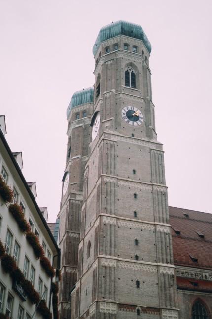 München: Völlig entrüstet: die Frauenkirche.
