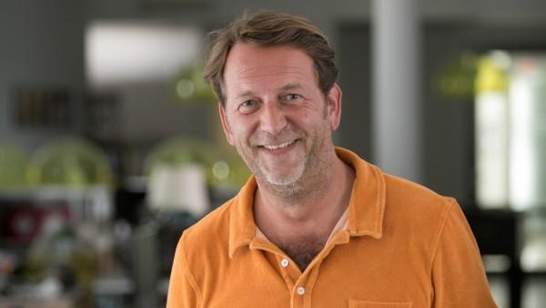 Fred Schreiber wohnt in Wien und arbeitet von dort als Programmchef beim Münchner Radiocenter EGOfm. Diese Woche ist er in München. Leopoldstrasse 254