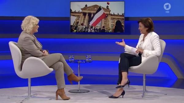 Justizministerin Lambrecht und Moderatorin Maischberger