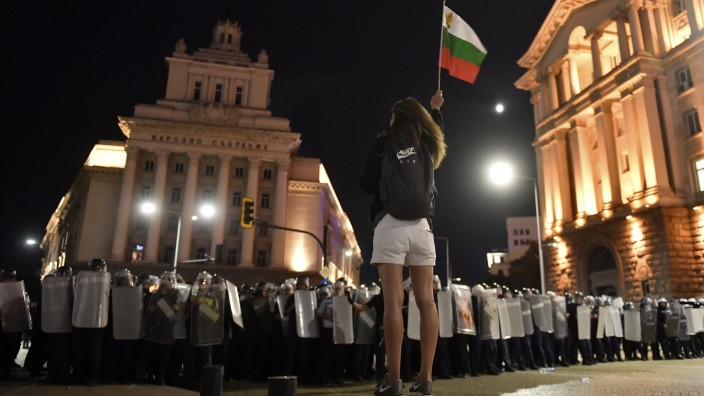 BULGARIA: SOFIA PROTEST People clash with police during an anti-government protest in front of the Parliament Building i