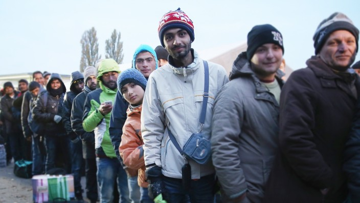 Over 6,000 Migrants Crossing Into Bavaria Daily