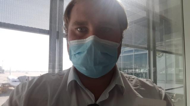 Tobias Vorburg vor seiner Abreise am Mittwochvormittag am Münchner Flughafen: