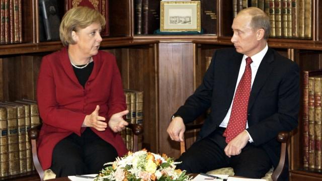Deutsch-Russische Konsultationen - Merkel Putin
