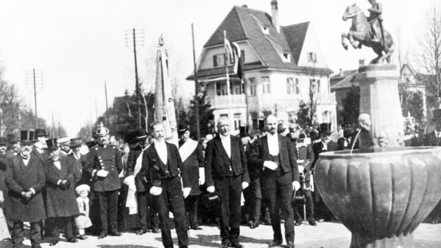 Bismarck Reiter Denkmal Pasing Wensauerplatz Einweihung 1.4.1914 Honoratioren