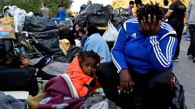 Lesbos: Migranten nach dem Brand im Flüchtlingslager Moria