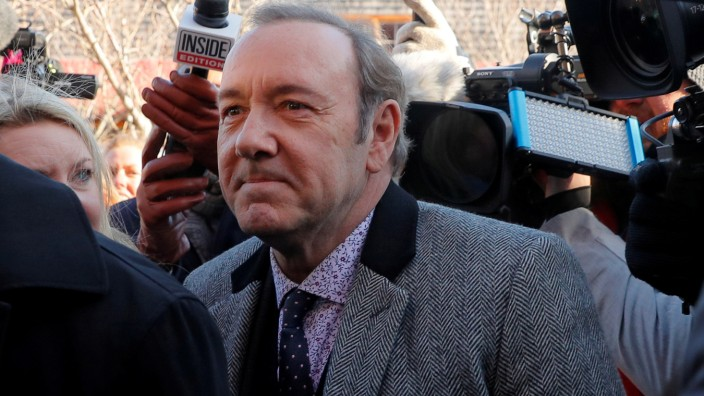 FILE PHOTO: Actor Kevin Spacey arrives to face a sexual assault charge at Nantucket District Court in Nantucket