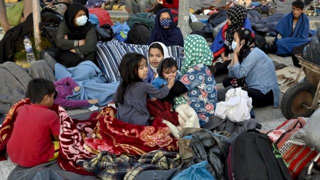 Flüchtlinge auf Lesbos nach dem Brand im Lager Moria