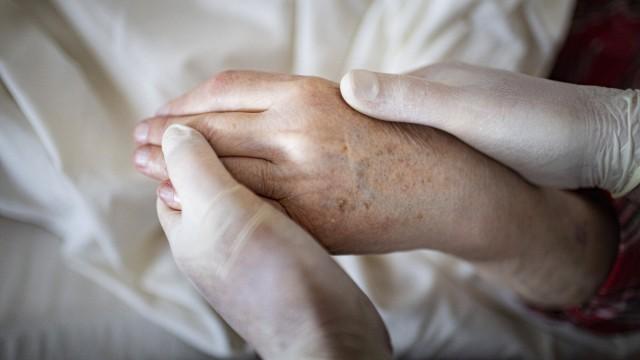 Thema: Hand haelt Hand *** Theme Hand holds hand Copyright: xutexgrabowskyx