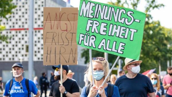 Protest gegen Corona-Maßnahmen in Hannover