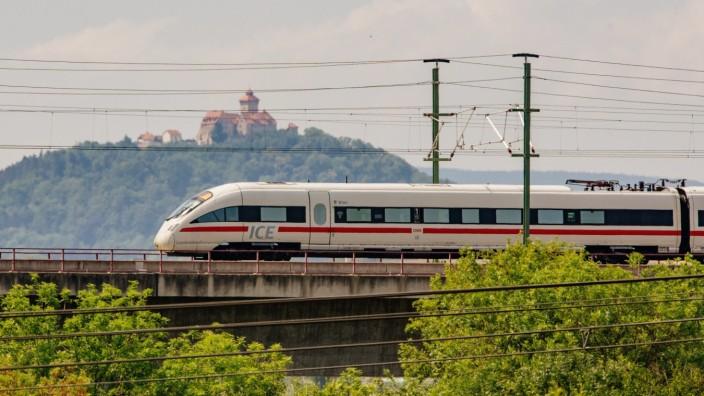 Ichtershausen , 080818 , Neue ICE-Trasse zwischen Berlin und München Im Bild: Der ICE 1509 auf dem Weg nach München, hi