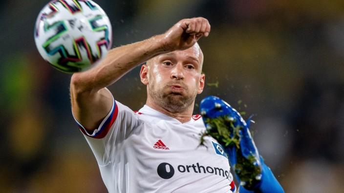 HSV-Verteidiger Toni Leistner im DFB-Pokal 2020 gegen Dynamo Dresden