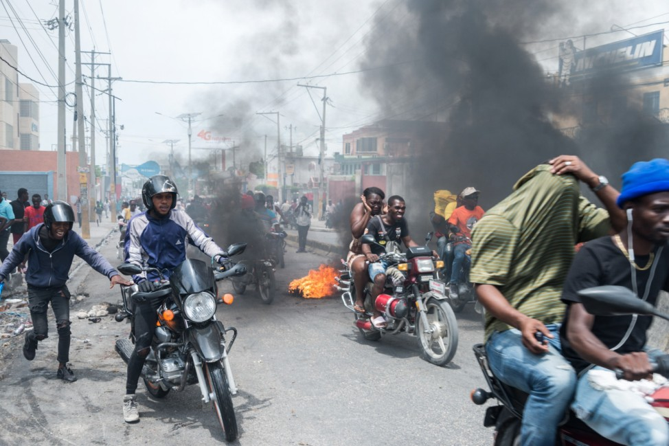 Haiti capital brought to halt by protesting police