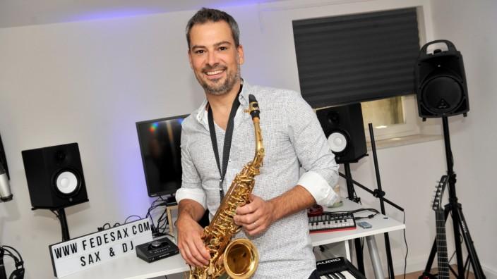 Gilching: Künstler und Saxophonist Federico Ramon