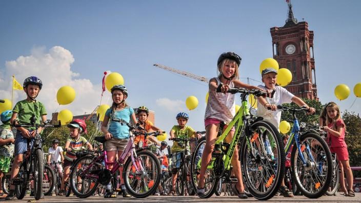 Kidical Mass erobert mit bunten Fahrraddemos die Straßen