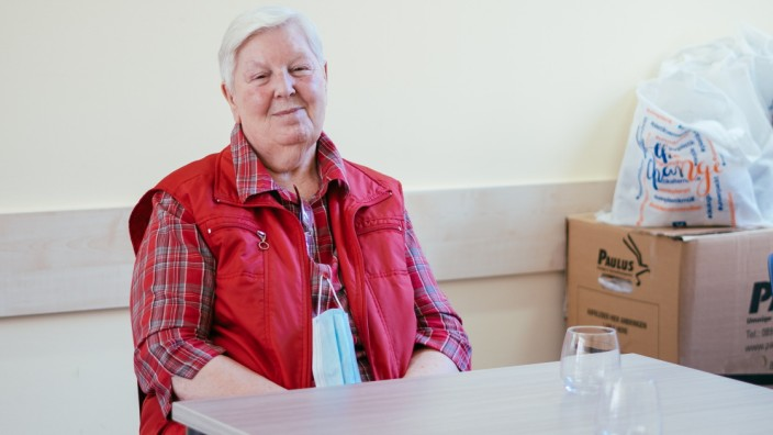 Altersarmut: Ursula P. in den Räumen der Seniorenhilfe Lichtblick: Die 81-Jährige hat lange gearbeitet, aber eine Rente, die unterhalb der Armutsgrenze liegt.