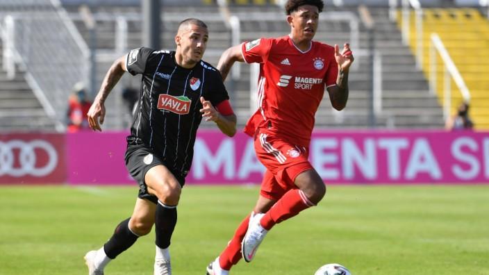 SARARER Sercan (Türkgücü München 10), RICHARDS Chris (FC Bayern München II 28) , 2020/21 3. Liga 1. Spieltagl FC Bayern; Fußball