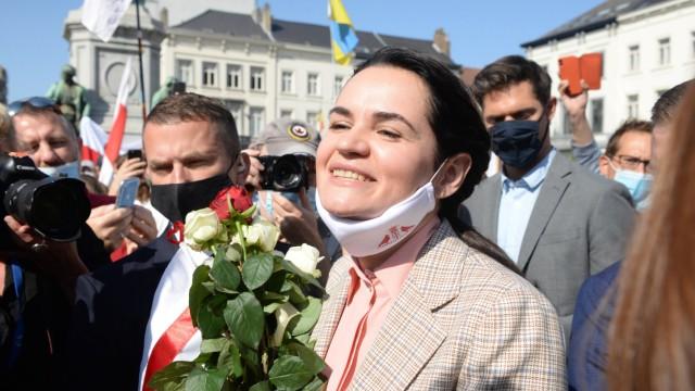 Brüssel, Swetlana Tichanowskaja spricht zu Unterstützern Belarus opposition leader Sviatlana Tsikhanouskaya speaks with