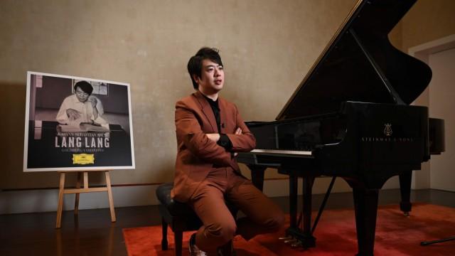 """Lang Lang und Bach: Der chinesische Pianist und sein Meisterstück: Sein Album """"Bach: Goldberg Variations"""" vereint Studioaufnahmen und Live-Mitschnitte."""