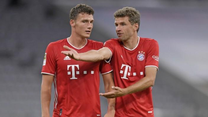 FC Bayern München: Thomas Müller und Benjamin Pavard gegen Schalke 04