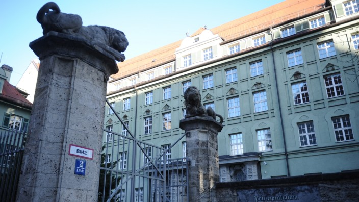Polizei in München: Polizeipräsidium an der Ettstraße