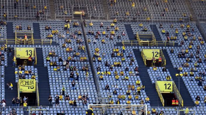 Borussia Dortmund - Borussia Mönchengladbach 19.09.2020. Spärlich besetzte Südtribüne im Signal Iduna Par. DFL REGULATI