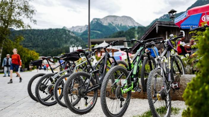 Impressionen vom Königssee bei Berchtesgaden: Mountain-Biker, E-Bikes, Pedelec