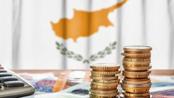 finanzen,euro,zypern *** finance,euro,cyprus puo-hs5