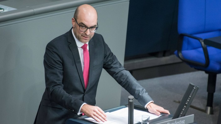 Berlin, Plenarsitzung im Bundestag Deutschland, Berlin - 17.09.2020: Im Bild ist Michael Kießling (csu) während der Sit
