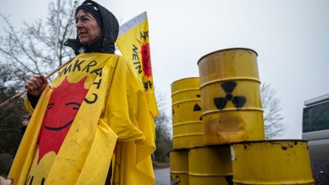 Anti-Atom-Gruppen protestieren gegen erneute Castor-Transporte