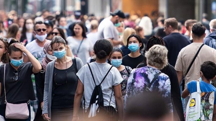 Coronavirus: Einkaufsstraße in Köln während der Corona-Pandemie
