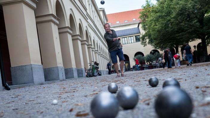 Im Hofgarten beim Boule