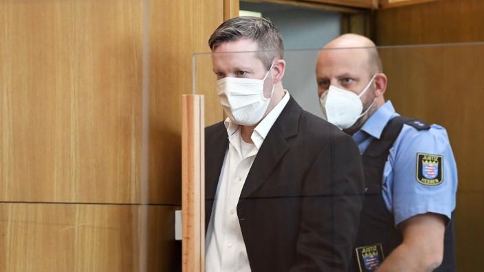 17.09.2020, xjhx, News Lokales, Prozess: Tod von Dr. Walter Luebcke - deloka, emonline, delahe, v.l. Angeklagter Stepha