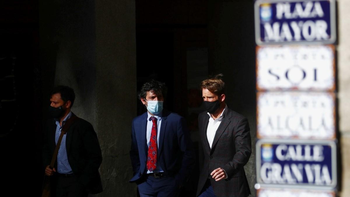 Corona weltweit: Madrid fügt sich der Abriegelung