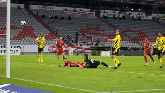 30.09.2020, Fussball Supercup: FC Bayern - Borussia Dortmund 30.09.2020, Fussball DFL-Supercup 2020, FC Bayern München -; x