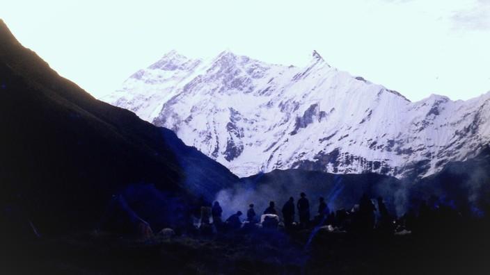 Erstbesteigung Annapurna-Mittelgipfel durch Heinz Oberrauch und Ludwig Greissl am 3. Oktober 1980
