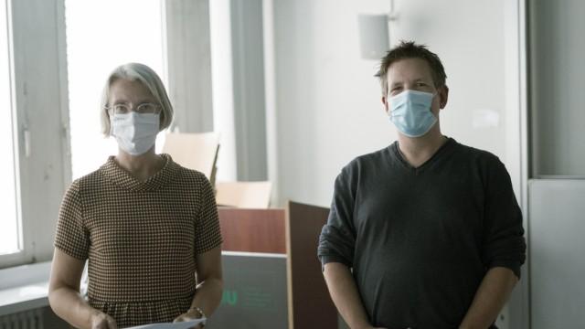 Maxvorstadt: Koordinieren das Zeitzeugen-Projekt: Anja Ballis (links) und Markus Gloe von der Ludwig-Maximilians-Universität München.