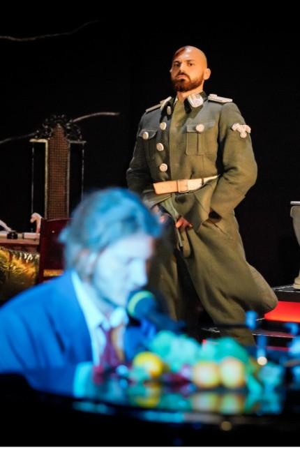 Hitlers Ziege und die Hämorrhoiden des Königs; Deutsches Theater Berlin
