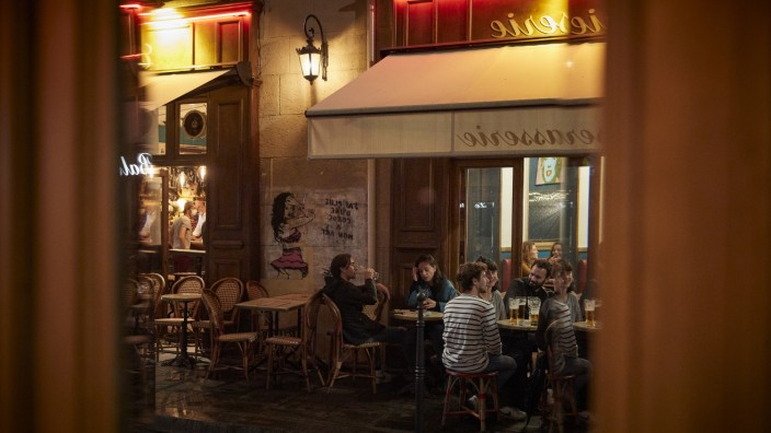 Paris: Further Coronavirus Restrictions Leave France's Cafe Culture Out In The Cold