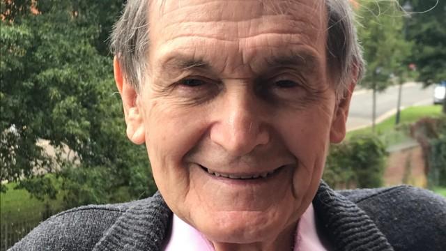 Physik-Nobelpreis: Sir Roger Penrose veröffentliche bereits als Mathematik-Student eine bahnbrechende Arbeit im Fachgebiet der Linearen Algebra.