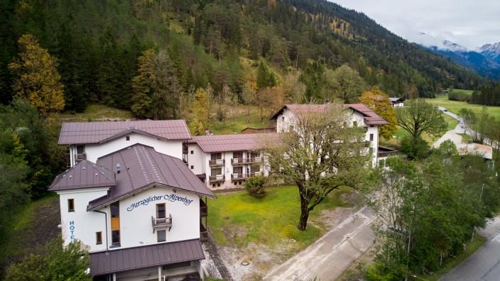 Herzoglicher Alpenhof Hinterriß Gemeinde Vomp Bundesland Tirol Österreich Leerstand