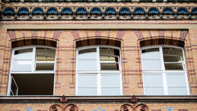 Geöffnete Schulfenster