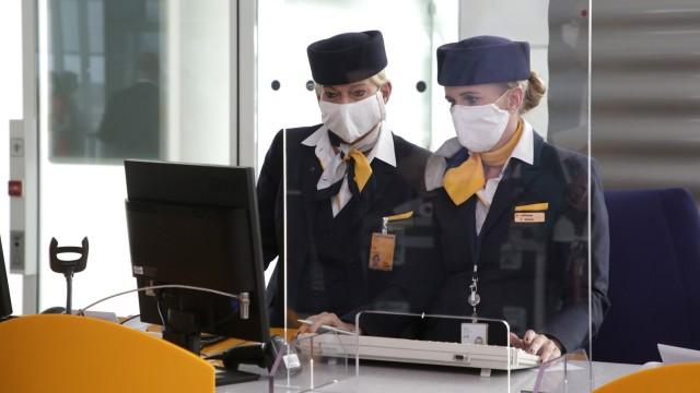 Boarding-Personal am Flughafen in München, 2020