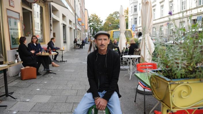 Herbert Auer, Inhaber des Café Pini vermutet, dass vor allem jüngere Leute die Schanigärten im Winter nutzen werden.