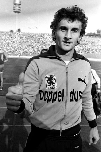 Rudi Voeller im Trikot von TSV 1860 Muenchen. Aufn. 06.09.1980 *** Rudi Voeller in jersey of TSV 1860 Munich Aufn 06 09; Fußball