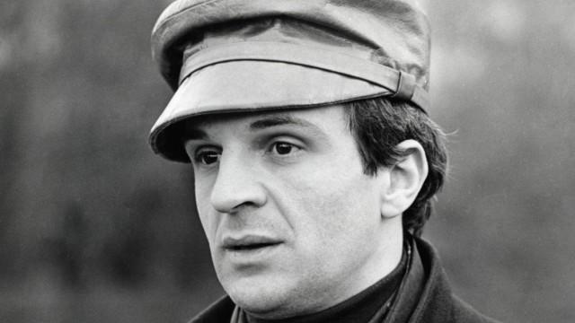 Director Francois Truffaut during a break in filming Farenheit 451 March 28 1966 PUBLICATIONxINx