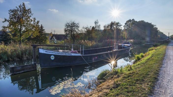 Treidelschiff auf dem Alten Kanal Ludwig Donau Main Kanal 19 und 20 Jhd Sonnenstern Schwarzen