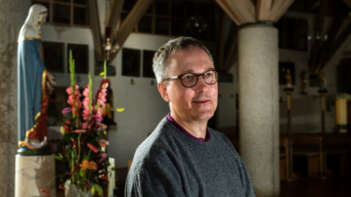 FREISING: Pastoralreferent ACHIM EST - Pfarrei St. Lantpert / Montagsinterview