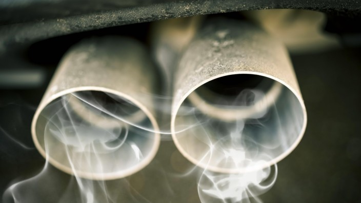 Qualmender Autoauspuff *** Smoke Car Exhaust